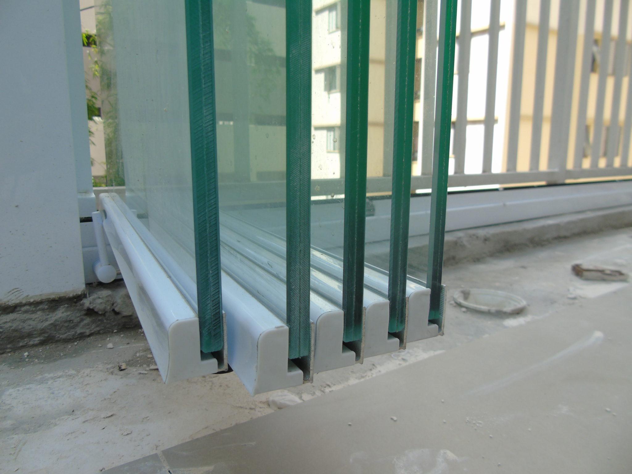 IMAGEM DE INSTALAÇÕES DE ENVIDRAÇAMENTO DE SACADA PERFECT GLASS