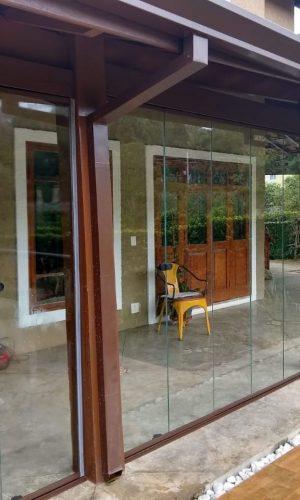 imagem de varanda com envidraçamento de sacadas Perfect Glass