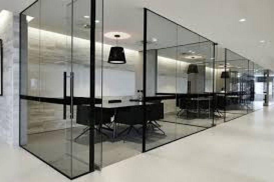 Imagem de escritório com divisórias de vidro perfect glass